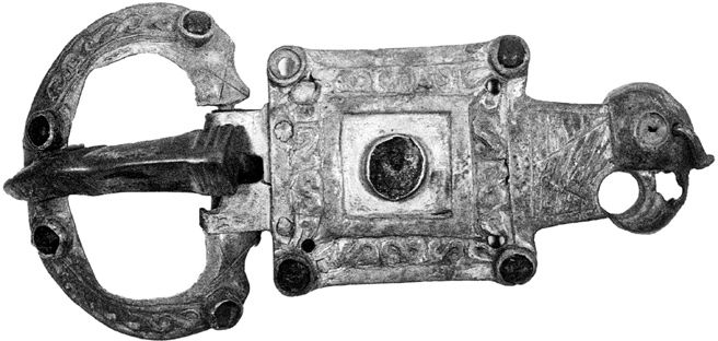 Eagle-head buckle from Lučistoe